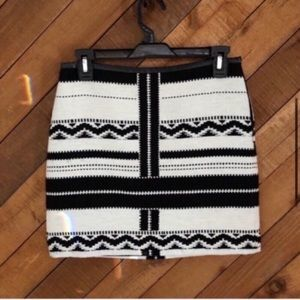 Madewell black and ivory festival skirt size 0